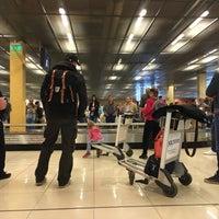 Photo taken at Получение багажа / Baggage Claim Area by GigaBass on 7/9/2017