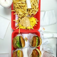 Photo taken at In-N-Out Burger by Alina on 5/3/2013