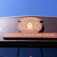 Photo prise au Hair of the Dog Brewery & Tasting Room par Carlos Veio L. le5/3/2013
