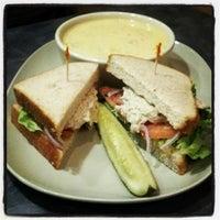 Foto tomada en Panera Bread por Chuck W. el 11/6/2012