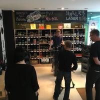 Das Foto wurde bei Holy Craft Beer Store von Thorsten K. am 8/9/2016 aufgenommen