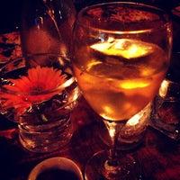 Das Foto wurde bei Insomnia Restaurant and Lounge von Sami R. am 6/22/2013 aufgenommen
