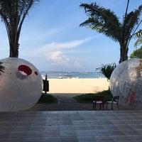 Photo taken at Tanjung Benoa Beach by Gandunk P. on 3/24/2017