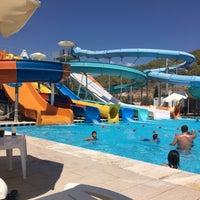 รูปภาพถ่ายที่ Ulu Resort Aquapark โดย Mine D. เมื่อ 8/11/2018