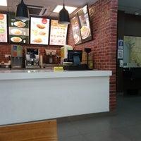 Photo taken at Ramly Burger Bentong by Mohd F. on 5/6/2018
