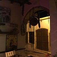 Das Foto wurde bei bellapais spots bar von Айгуль Х. am 10/11/2016 aufgenommen