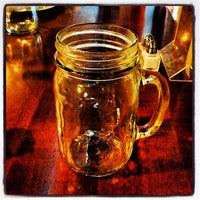 Foto tirada no(a) Cooperage Wine & Whiskey Bar por Trenton China R. em 6/6/2013