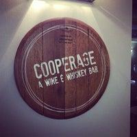 Foto tirada no(a) Cooperage Wine & Whiskey Bar por Trenton China R. em 3/30/2013