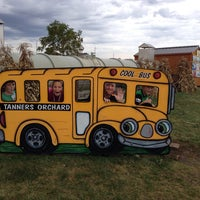 Photo taken at Tanners Orchard by Melissa T. on 10/5/2013