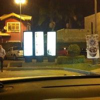 Foto tirada no(a) McDonald's por Willian S. em 4/6/2013