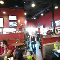 Photo taken at Oggis Pizza & Brewing Co by Jeffery H. on 9/24/2016