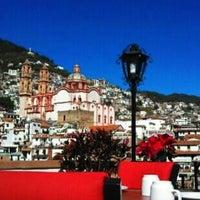 Photo taken at Los Vikingos by Sonia 🍒 on 4/14/2013
