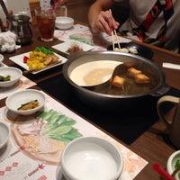 Photo taken at きんのぶた 河内松原店 by Ryuji O. on 10/11/2013