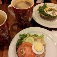 Foto scattata a Max's Cafe da Carita H. il 5/5/2013