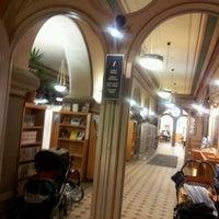 11/17/2012 tarihinde Carita H.ziyaretçi tarafından Rikhardinkadun kirjasto'de çekilen fotoğraf