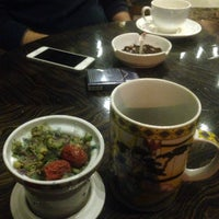 Photo taken at Paradise Café | کافه پارادایس by hesam f. on 2/4/2015