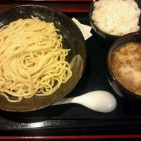 Photo taken at 麺造 鉄神 by Takahiro S. on 10/31/2012