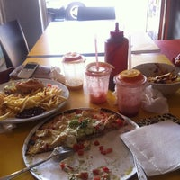 Photo taken at Wahoo's Fish Taco by Keeden G. on 9/26/2012