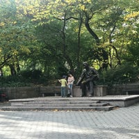 Photo taken at Hans Christian Andersen Statue by Paola R. on 10/28/2017