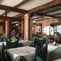 Photo taken at Restaurante El Gallo by Luis Alfonso B. on 8/15/2013
