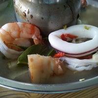 Photo taken at ร้านอาหารปากคลอง ชะอํา by Janjow C. on 3/9/2014