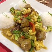 Foto tomada en Soto Asian Cuisine por Marcos D. el 12/6/2014