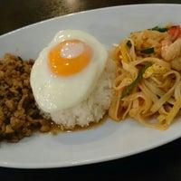 2/27/2016 tarihinde nyarome m.ziyaretçi tarafından 立川タイ料理レストラン バーンチャーン'de çekilen fotoğraf