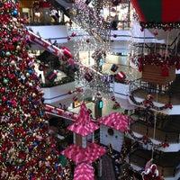 Foto tirada no(a) Beiramar Shopping por Beatrice S. em 12/13/2012