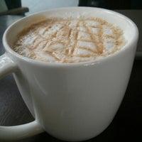 Photo taken at Starbucks by Ridzuan A. on 9/2/2013