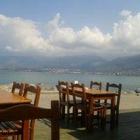 9/21/2012 tarihinde Mujgan B.ziyaretçi tarafından Petek Cafe'de çekilen fotoğraf
