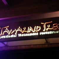 Foto scattata a Tamarind Tree da Ty Y. il 9/23/2012