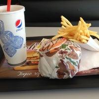 Foto tomada en Burger King por Matu F. el 8/16/2013