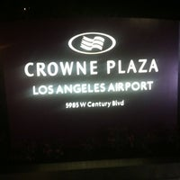 Photo taken at Crowne Plaza Los Angeles International Airport by Araken D. on 11/19/2012
