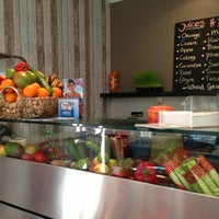 Photo taken at Simo's Juice & Foodbar by Kelly W. on 2/21/2013