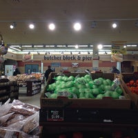 Photo taken at Jewel-Osco by Lina on 1/28/2014