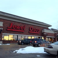 Photo taken at Jewel-Osco by Lina on 1/26/2014
