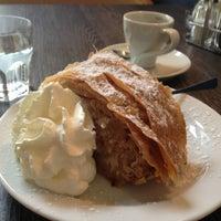Das Foto wurde bei Cafe Stein von Caitlin D. am 8/28/2013 aufgenommen