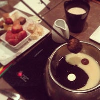 Photo taken at The Melting Pot by Mariana P. on 8/20/2013