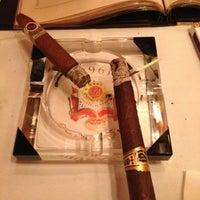 Foto tomada en Club Macanudo por Scott M. el 11/30/2012