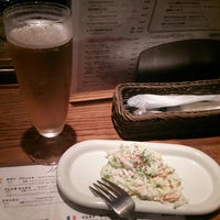 Photo taken at 中目黒 ビヰルキッチン by Tatsuya O. on 9/12/2014