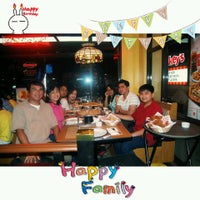 Photo taken at Shakey's by Tentai M. on 10/28/2014