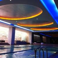 11/24/2012 tarihinde Gözde Ithalat E.ziyaretçi tarafından Swissôtel Swimming Pool'de çekilen fotoğraf