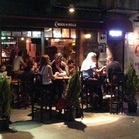 6/10/2013 tarihinde Luci F.ziyaretçi tarafından Rock N Rolla'de çekilen fotoğraf