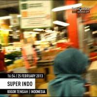 Photo taken at Super Indo Jembatan Merah by mohamad t. on 2/25/2013