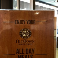 Photo taken at OldTown White Coffee by Yit M. on 7/23/2018