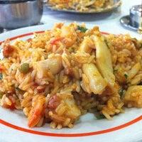 Foto tirada no(a) Restaurante Siri por Fábio L. em 11/2/2012