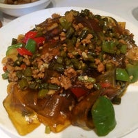 Photo taken at Hunan House Chinese Restaurant by Brief E. on 10/7/2016