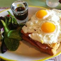 Photo taken at Honey's Sit 'n Eat by Sophie Y. on 2/2/2013