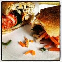 Foto tomada en Hanco's Bubble Tea & Vietnamese Sandwich por Jessica B. el 4/13/2013