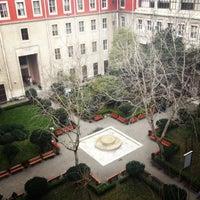 3/27/2013 tarihinde ayça d.ziyaretçi tarafından Edebiyat Fakültesi'de çekilen fotoğraf